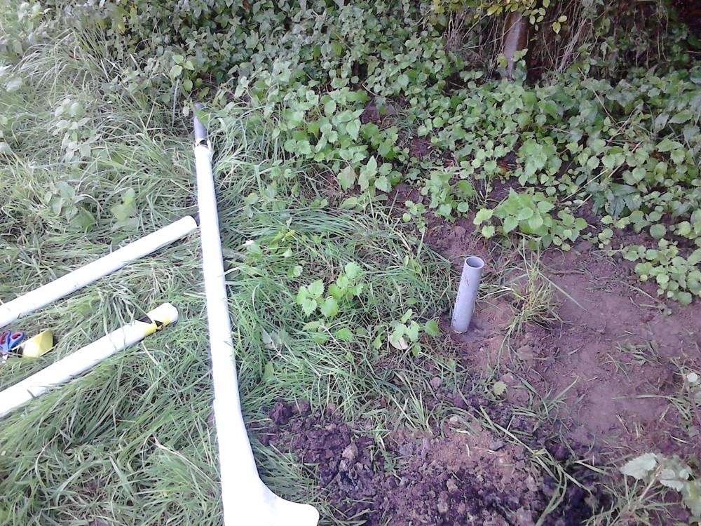 Pose de piézomètres légers (2 m) à l'aide d'une tarière