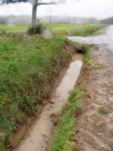 Un facteur aggravant : le curage des fossés