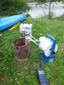 Echantillonnage par pompage de l'eau d'un forage : identification de la qualité chimique du compartiment souterrain (balance ionique, arsenic)